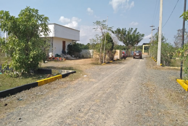 Land for sale in Guduvanchery