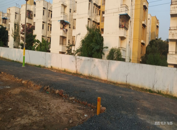 Land for sale in Rathinamangalam