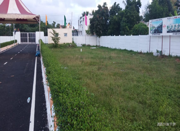 Land for sale in Perumbakkam