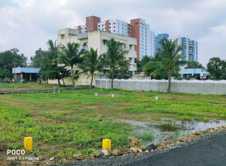 Land for sale in Kelambakkam